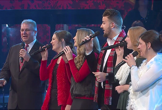 "The Collingsworth Family sing ""Winter Wonderland/Sleigh Ride"""