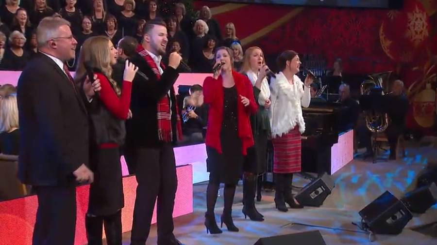 The Collingsworth Family sings!