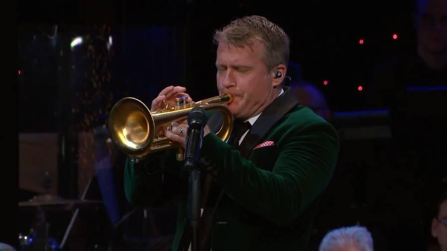 "Charles Billingsley sings ""God Rest Ye Merry Gentlemen"""