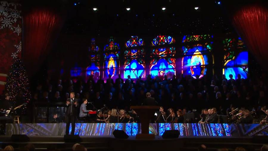 """SMCC Choir sings with Charles Billingsley """"Down From His Glory"""""""